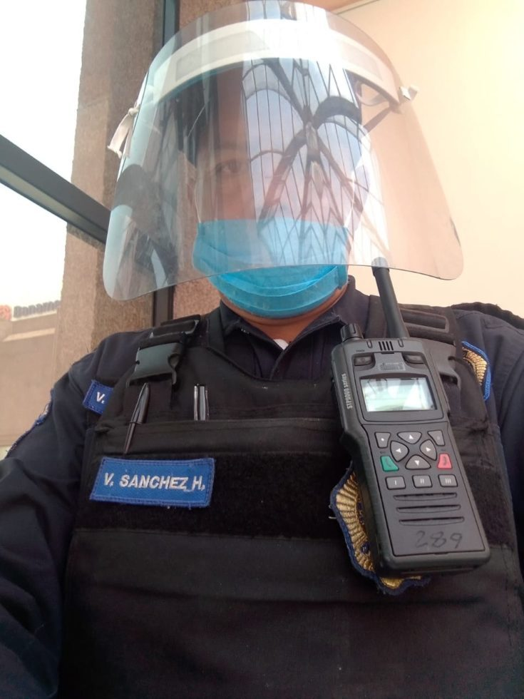 Mexico-Police-Officer-in-Face-Shield-with-STP9000.jpg#asset:42384